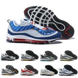 new product b509d 1d1ac Nouveau Design Nike air max 98 OG 15 couleurs Stripes Casual Chaussures de  course pour hommes Noir Blanc Rouge Kaki Hommes Bottes de Marche Baskets  Plein ...