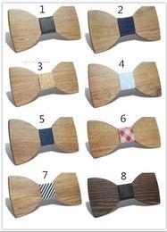 2019 legame di arco in legno Papillon di alta qualità in legno Stampa a colori Set cravatte per uomo cravatta cravatta famiglia reale nucleo e le forniture di nozze 48 sconti legame di arco in legno