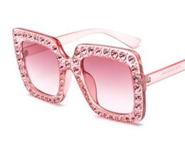 Occhiali da sole del progettista del rhinestone online-1pcs occhiali da sole quadrati classici di alta qualità Designer di lusso con strass diamanti Mens Womens moda occhiali da sole occhiali lenti in vetro rosa