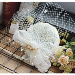 Argentina Atractivo Misterio de la vendimia Pluma perfecta Blanco Tull Headpiece Velo de la cabeza Accesorios nupciales de la boda 2018 Novia Hat Suministro