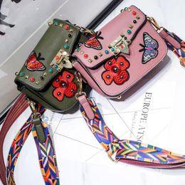 Schmetterlings-kuriertasche online-Süßigkeit färbt Art- und Weiseleder-Schulter-Beutel-Kinderkleine gestickte Schmetterlings-Kurier-Beutel-Baby-Minischulterbeutel