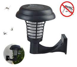 insetti di giardino bug Sconti Lampada a sospensione a energia solare o lampada a forma di zanzara a energia solare. Luce a LED per insetti