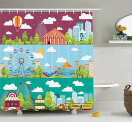 Scivoli di swing online-Tende da doccia Banner per città con giostre Scivoli e altalene Immagine di attrazione ruota panoramica, set bagno in poliestere