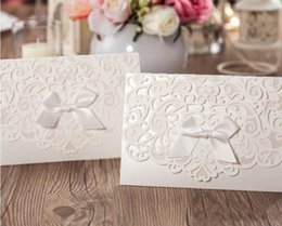 Wholesale green invitation cards - Lace Wedding Invitations 2018 Ribbon Party Invitation White Convite De Casamento Free Personalized Printing Wedding Card Accessory