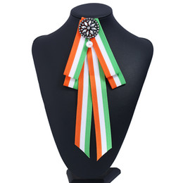Wholesale Women Wedding Clothing - Stripe fabric Bow Crystal Women Brooches Pins Canvas Fabric Bowknot Tie Necktie Corsage Brooch for Women Clothing Dress Accessories in stock