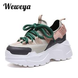 Commercio all ingrosso 2018 Altezza crescente Donne scarpe casual piattaforma  cunei Scarpe da donna Sneakers Donna Chunky scarpe da ginnastica Chaussure  ... 223e09a3ae2