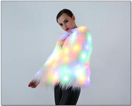 Mujeres LED Faxu Abrigo de Piel Trajes de Etapa LED Nightclub Outwear de Navidad Mujeres Bailarinas Star Chaquetas MMA718 desde fabricantes