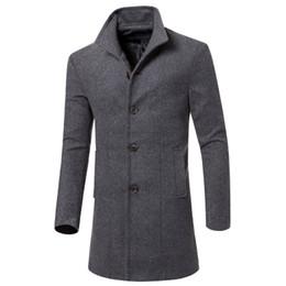 2017 New Fashion Trench Coat Uomini Cappotto Lungo Inverno Famoso Marchio Mens Cappotto Monopetto Slim Fit Uomo Trench Taglia 3XL cheap winter coat famous brand da marca famosa del cappotto di inverno fornitori