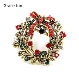 Wholesale vintage christmas garlands - 2017 New Design Vintage Bowknot Leaf Wreath Garland Brooches for Women Party Luxury Scarf Hijab Pin Elegant Christmas Good Gift