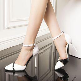 tacones gruesos zapatos de fiesta para damas hebilla correa pums mujer baja  bombas corte alta arco de invierno mujer ronda e06a60ff602e