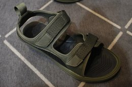 Wholesale hunter sports - New summer supply magic buckle personality sandals brand shoes men's size 40-44