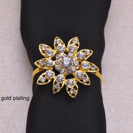 venta al por mayor suministros de recepción de boda Rebajas (J0428-with ring) 100pcs / lot Elegant Wedding Flower Rhinestone servilleteros, servilleteros, con 40mm anillo, plata o chapado en oro