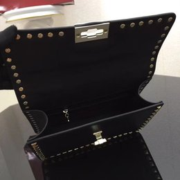 Wholesale banquet bags - New European classic style luxury Milan handbag bag made from leather rivets, shoulder strap, royal banquet, women's wear, buckle belt.