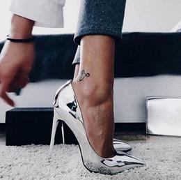 DE Tacchi Alti Hot New Fashion Donna Metal Mania Tacco alto Pompe da sposa  scarpe a punta Slip On Scarpe da donna Pole Dance brevetto Tacco 10 Cm  economico ... 9bba0678a3e