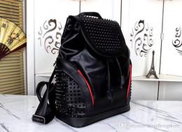 Bolsas de mano negras online-rock y estilo de la moda negro mochila de diseño bolsas moda famosa marca de lujo para hombre mochilas bolsos de viaje bolso