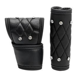 Perillas de diamantes de imitación online-2 Unids / set Car Gear Shift Knob Cover y Hand Brake Gear Cover Leather Rhinestone Crystal Luxury Auto Handbrake Padding Universal