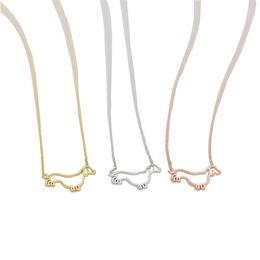 Colgante de perro salchicha online-Collares colgantes de perro salchichas de moda Collares colgantes de marco de perro Serie animal encantadora collares de oro plateados para mujeres
