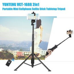 2019 telefoni cellulari galaxy s2 YUNTENG VCT-1688 2in1 Mini tavolo treppiede Selfie Stick w / telecomando per smartphone DSLR ILDC Action Camera Travel Live Show