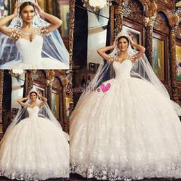 Cappuccio per barche online-2019 Arabo Vintage Sweetheart Inverno Ball Gown Abiti da sposa Collo a barchetta Vestido De Noiva Cap maniche in pizzo Robe De Mariage Cerniera Indietro