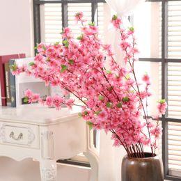 piante artificiali di giglio artificiale Sconti 123cm Artificiale Cherry Spring Plum Peach Blossom Branch Fiore di seta Home Wedding Decorativi Fiori artificiali Bouquet di pesche in plastica
