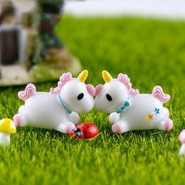 miniature Sconti Cute Pink Pony Cartoon Figurine cavallo Miniature Fairy Garden Accessorio Dollhouse Ornament Moss Micro Paesaggio Decorazione fai da te Zakka Supply