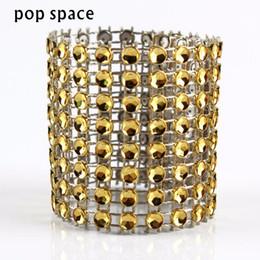 Decorações de casamento de diamantes de plástico on-line-Plástico Diamante Guardanapo Anéis para Titulares Guardanapo De Casamento Strass Cadeira Caixilhos Banquete Jantar Decoração de Mesa de Natal