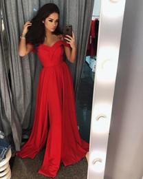 barato modesto vestidos vermelhos Desconto Sexy 2018 Modest Vermelho Vestidos de Baile Longo Simples Barato Fora Do Ombro de Alta Lado Dividir Andar de Comprimento Vestidos de Festa À Noite Vestidos de fiesta