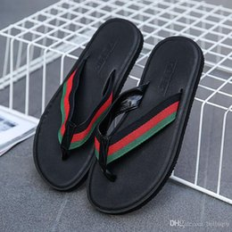 Wholesale new men fashion shoes sandals - New Arrival Summer Men slippers Brand designer flip flops Beach Sandals Non-slide Male Slippers Zapatos Hombre Casual Shoes
