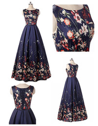 Wholesale simple floral prom dresses - Vintage 2018 A Line Floral Print Prom Dresses Stain Sleeveless Scoop Evening Gowns Formal Simple Floor Length Party Gown