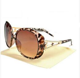 Wholesale Adult Novels - 2017 Novel Goggle Outdoor brand C designer Eyewear luxury Sunglasses lady women black shades Fashion Retro with original Zipper case