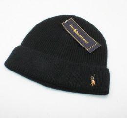 Erkekler bere Moda Tasarımcısı Kaput kadın Rahat örgü hip hop Gorros  pom-pom kafatası kapaklar saç top açık şapkalar 98d488a6ef