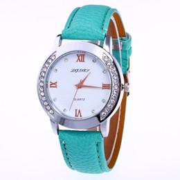 Marcas de relojes de señoras baratas online-Hot Womens Luxury Watch Brand Dress Ladies Ladies Diamond Silver Case Correa de cuero Reloj de pulsera barato Mejor regalo Reloj Mujer