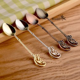 Wholesale ice dessert - Vintage Zinc Alloy Spoons Electroplate Half Wings Design Scoops Carved Ice Cream Dessert Spoon Multi Colors 1 6jz B
