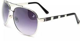 1146 Brand Designer Women Round Occhiali da sole Uomo Fashion Vintage Metal Frame Ocean Occhiali da sole Shade Pink Tinted Eyewear UV400 da