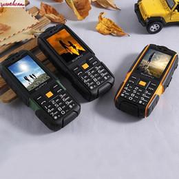 Deutschland Ursprüngliches X6000 IP67 entsperrte robuste bewegliche Handy-wasserdichte Energie-Bank-Handy 6000mah große Batterie 2 SIM Karte LED-Torch-Telefon im Freien Versorgung