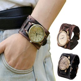 2017 Nuovo Stile Orologio Uomo Mens Retro Punk Rock Marrone Big Wide PU Bracciale in pelle Bracciale Cool Watch Casual Quartz Waistwatch supplier cool leather watches da orologi in pelle fresca fornitori