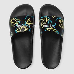 e8d9873af37e7 2018 Black Rubber Slide Fashion Sandale Pantoffeln Grün Rot Weiß Streifen  Fashion Design Männer Mit Box Klassische Damen Sommer Flip-Flops günstig ...