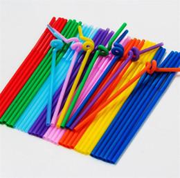 Canudos de arte on-line-Nova cor palhas de arte criativa palhas de plástico one-time dobra de suco de bebidas palhas longas diy manual de produção de tecelagem I212
