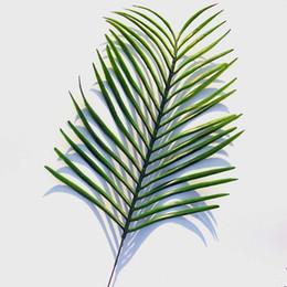 Canada Plantes vertes artificielles Fleurs décoratives Papillon Paume de feuilles de palmier Areca / décoration de mariage / 35 cm de long 28 cm de large Offre