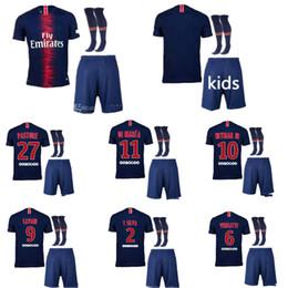 ^ _ ^ Ventas al por mayor PsG kits de fútbol infantil nombre personalizado número neymar jr 10 pares de fútbol de calidad superior 18 19 niños mbappe 29 cavani 9 desde fabricantes