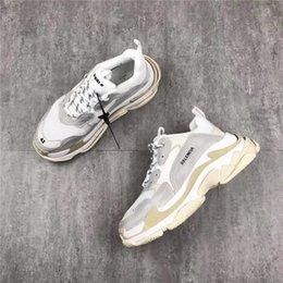 Wholesale Women S Shoes Medium Heels - 2018Balenciaga New Triple S Casual Shoe Man Woman Sneaker High Quality Mixed Colors Thick Heel Grandpa Trainer Shoes