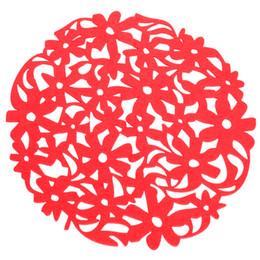 2019 manteles de fieltro Venta al por mayor- VENTA CALIENTE Ronda Laser Cut Flower Fieltro Placemats Cocina Cena Mesa Taza Esteras Cojín Rojo rebajas manteles de fieltro