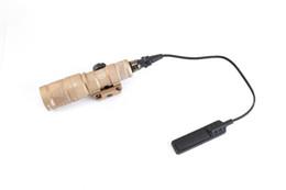 Lanterna de caça tática on-line-M300V SF Scout Luz LED Tactical Lanterna Constante / IR / Momentary Saída Tactical Rifle Gun Lanterna com Trilho Para A Caça