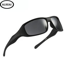 Copos de noite dos pilotos on-line-Motoristas dirigindo óculos de visão noturna dia e noite óculos de sol esportes ao ar livre homens óculos de sol piloto glasse