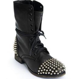 Sapatilha de rebite de tendência on-line-2018 senhoras preto ankle boots rebite moda alta festa gangue casual das mulheres botas ao ar livre locomotiva tendência plana ankle boots sapatos femininos