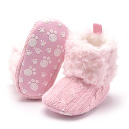 Argentina Botines de bebé Zapatos de ganchillo recién nacido Zapatos de niña de lana cálida Botas de nieve Mocasines antideslizantes de base suave Zapatos de bebé para niños cheap baby boy newborn crochet booties Suministro