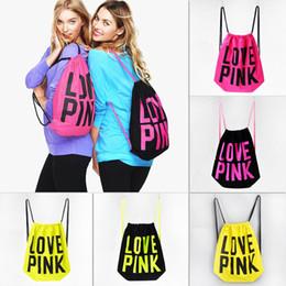 Preços rosa mochila on-line-2018 Mulheres Com Cordão Mochila AMOR ROSA Escola Saco Da Lona PE Mochila para Esporte Ginásio Casa Storgae Alta Qualidade Barato Preço de Atacado