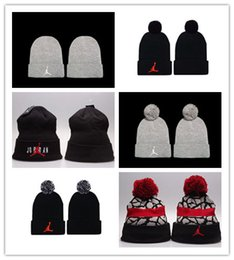 hat winter diamonds Coupons - New Design Hip hop Beanies cheap Pom Beanie hats Wool Cap Autumn Winter caps Sprot men hat Woolen Hat diamond skull caps