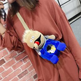 Muñeca Chuck doble bandolera 2018 nuevo pequeño bolso divertido niña  historieta linda personalidad saltando Di oblicuo cinturón pecho muñecas  lindas niña ... f607495b42c2