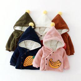 Fruta de veludo on-line-Crianças Quentes Além de veludo Engrossar Inverno Meninas Do Bebê meninos crianças Frutas toalha bordado Com Capuz Cardigan Jaquetas Casaco Outwear
